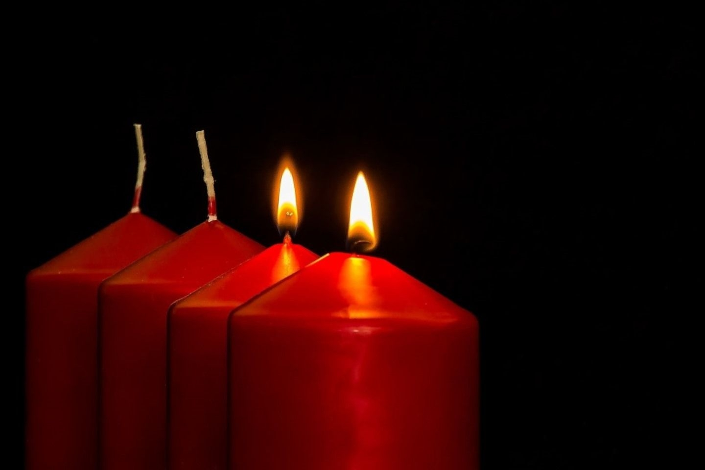 Advent 2, red candles. Thanks pixabay.com